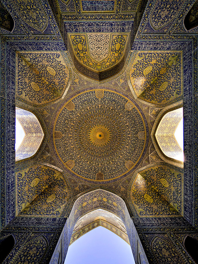 beautiful-mosque-ceiling-29__880_670