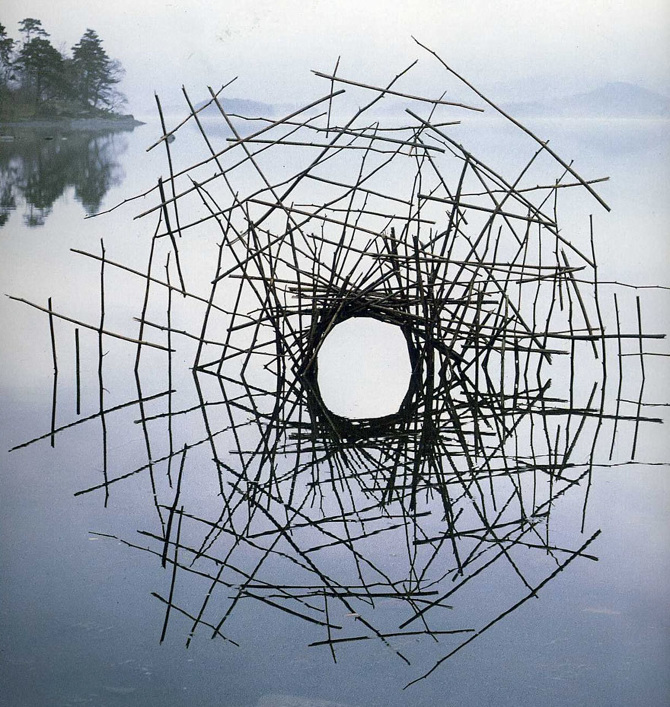 tw_land-art-goldsworthy03_670